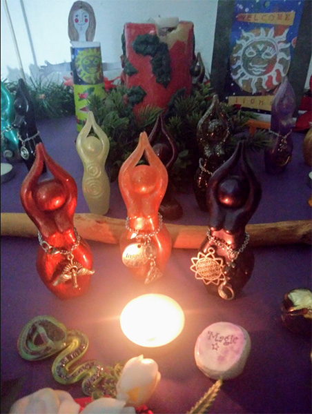 hecate-does-solstice-advent-altar-90-dpi